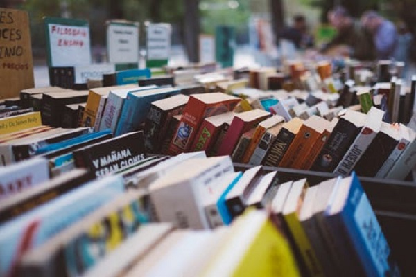 THE AMNESTY BOOK SALE