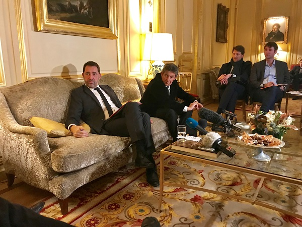 Christophe Castaner de passage à Londres pour signer un accord avec Sajid David