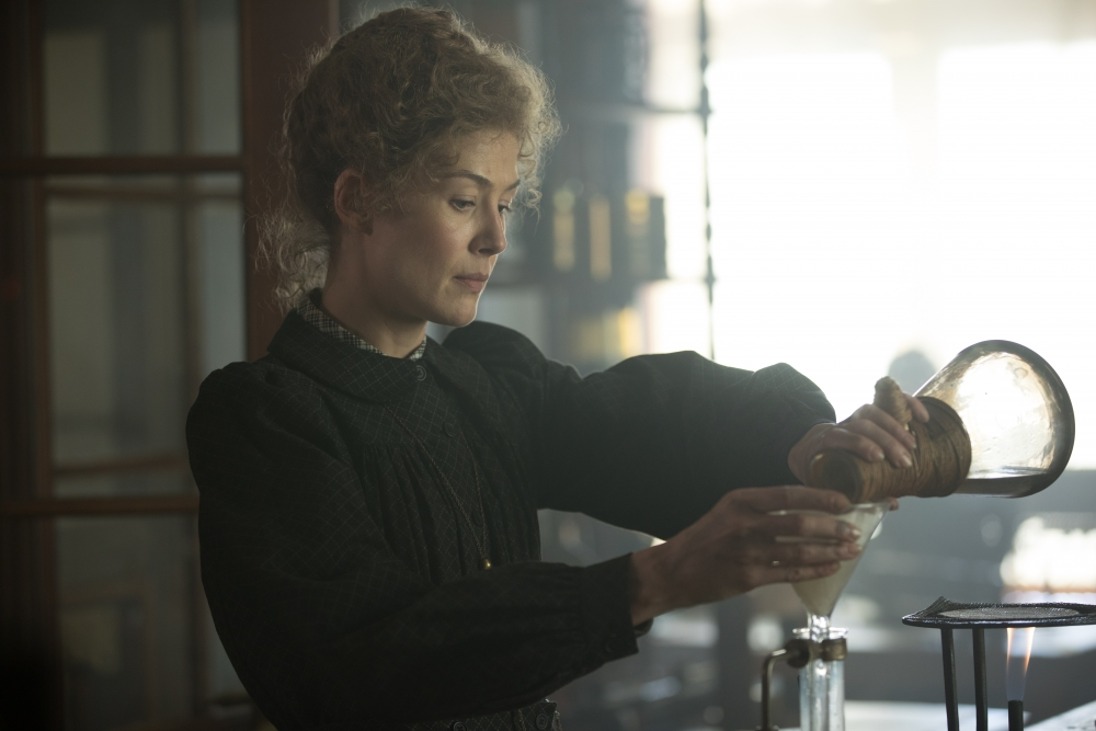 Journée de la femme : Projection de Radioactive, un biopic sur Marie Curie