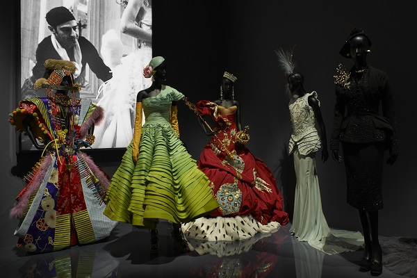L'expo Christian Dior bat tous les records à Londres